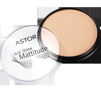 Okrągłe opakowanie z czarną podstawą natychmiast zwróci Twoją uwagę! Przezroczysta pokrywka pudru Astor Mattitude pozwoli dostrzec odcień kosmetyku i wybrać ten, który najbardziej do Ciebie pasuje.