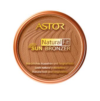 Die runde Form der Dose und die im Ton sonnengebräunter Haut gehaltenen Basis  wirkt in Verbindung mit dem Goldton von Astor wie eine Einladung in den Sommerurlaub, ohne tatsächlich verreisen zu müssen. Gönn Dir schon jetzt deinen sonnenverwöhnten Look mit dem Natural Fit Sun Bronzer!